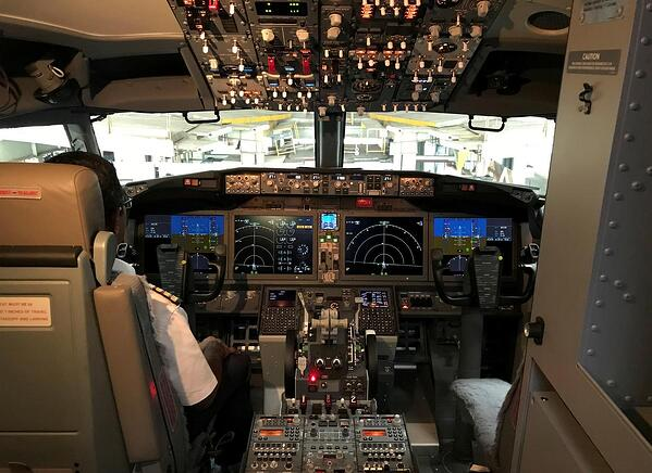Boeing Reuters DTE Blog cockpit image